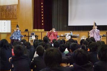 八木さん(龍笛)、中村さん(篳篥)、石川さん(笙)